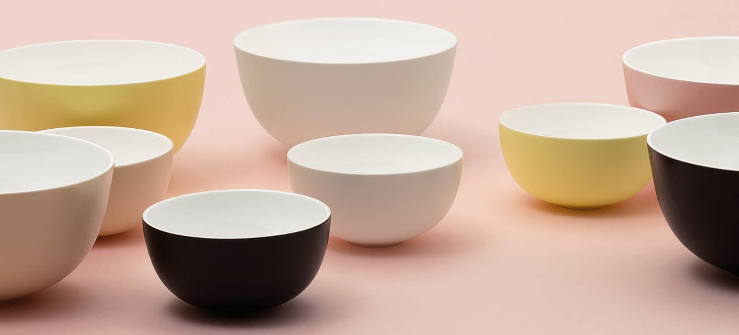 Bowl & plate sets: Minimalistic and wafer-thin